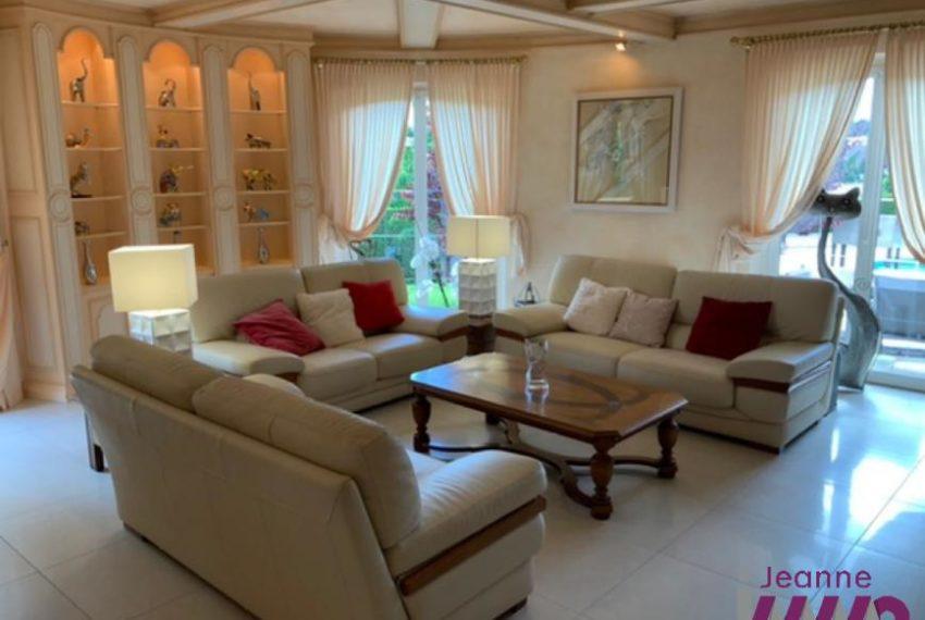 BELFORT Villa T8/200m² avec psicine sur 13 ares