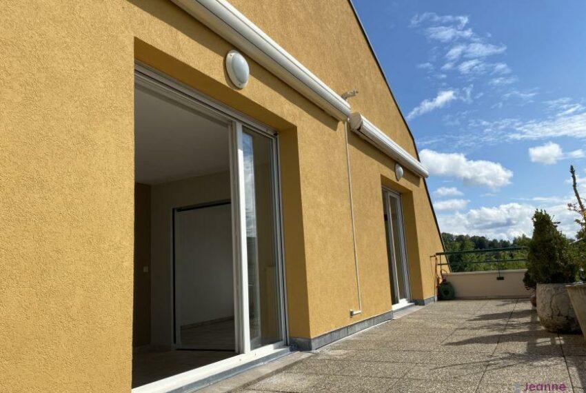BELFORT Prox centre ville avec terrasse de 30m² et double garag